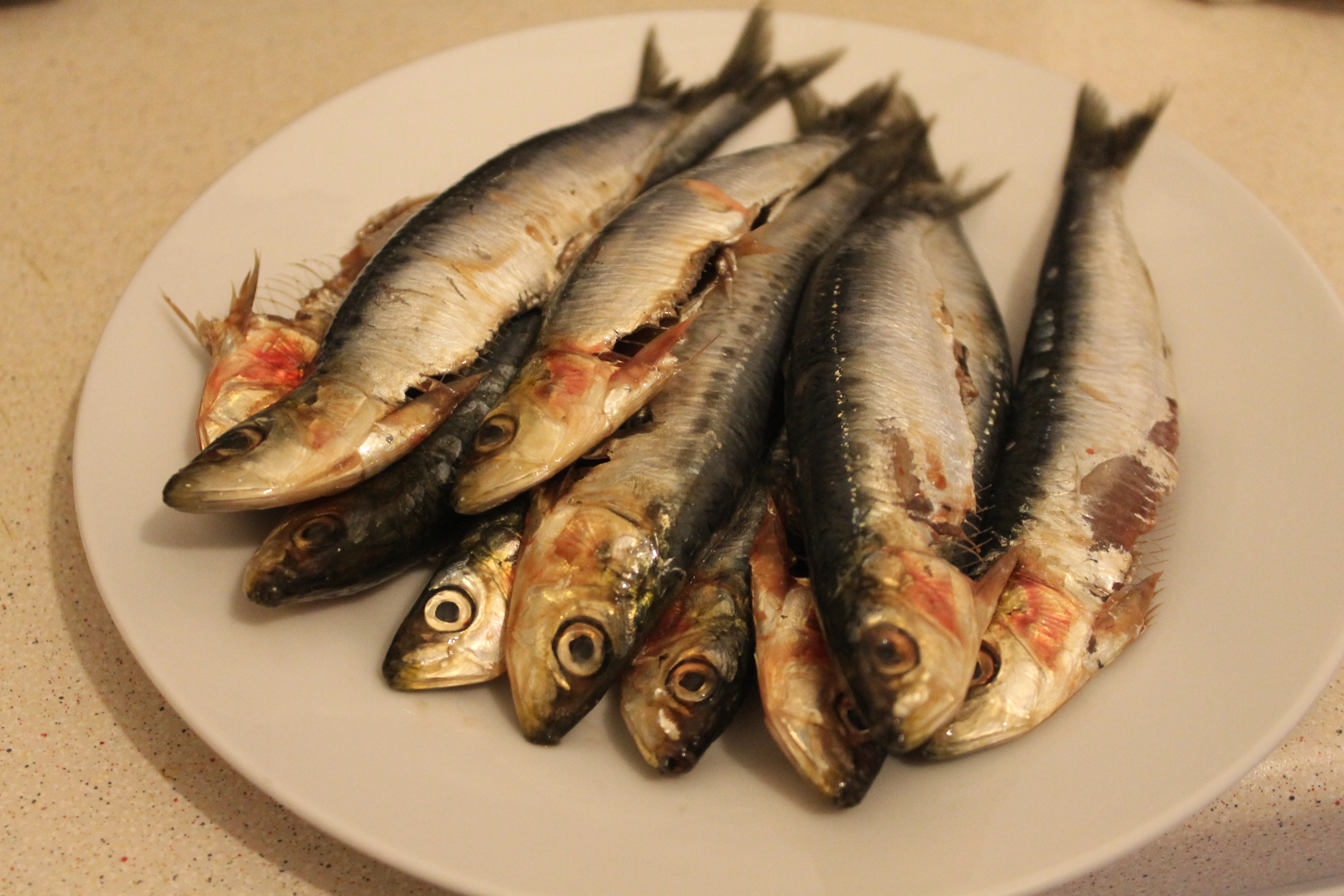 Gut And Clean The Sardines If This Hasnt Already Been Done 2 Place In A Large Flat Bowl Then Mix Together Crushed Garlic